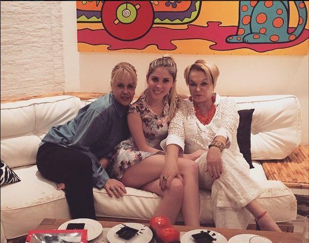 Bárbara Evans compartilha foto com a mãe, Monique, e a avó, Maria da Conceição (Foto: Reprodução do Instagram)