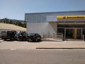 Criminosos renderam seguranças e roubaram dinheiro do caixa (Foto: Ariele Rui / TV Gazeta Norte)