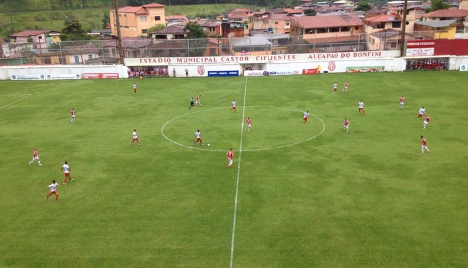 Villa Nova vence o Boa Esporte por 3 a 0 no Castor Cifuentes (Foto: Daniel Galvão)