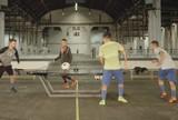 BLOG: Casquinha na mesa faz Neymar perder desafio de Fut Toc para parça