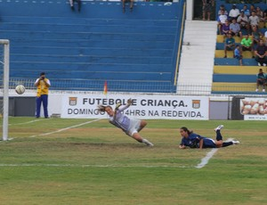Priscilinha gol São José 1 x 1 Centro Olímpico (Foto: Antônio Basílio/ PMSJC)
