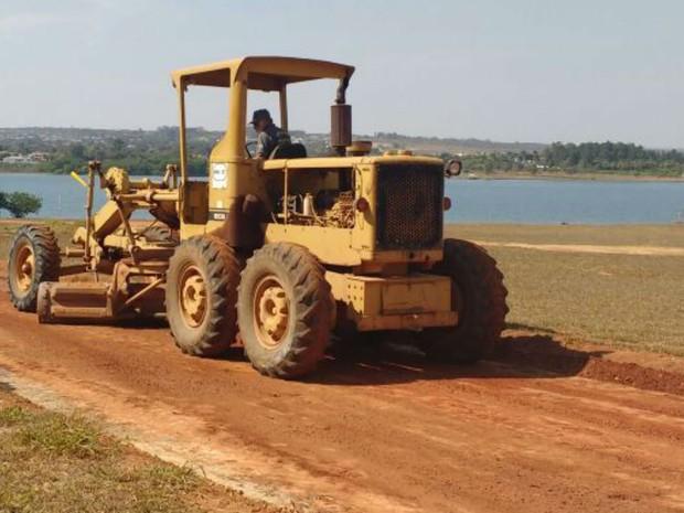 Obras da ciclovia que vai ficar às margens do Lago Paranoá são retomadas (Foto: Beatriz Pataro/G1)