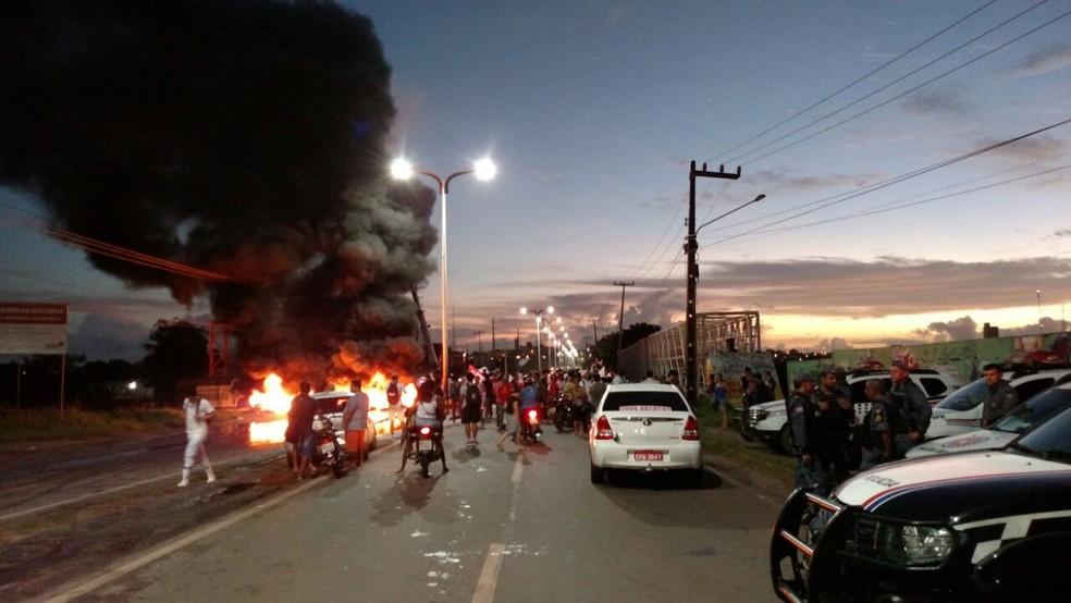 Manifestação em São Luís (Foto: Douglas Pinto/ TV Mirante)