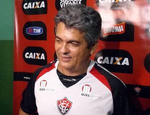 Ney Franco; Vitória (Foto: Thiago Pereira)