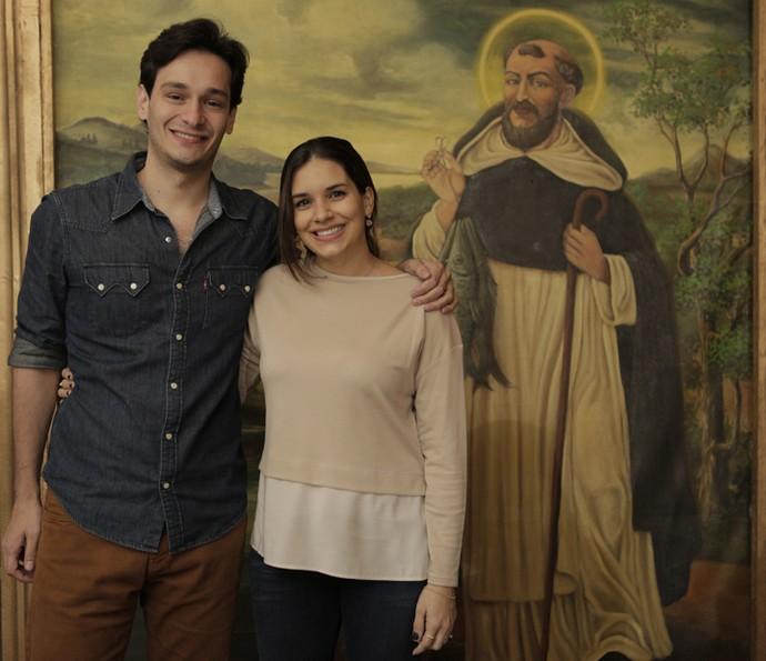 O autor Bruno Luperi, neto de Benedito Ruy Barbosa, posa ao lado da esposa Lígia (Foto: Inácio Moraes/ Gshow)