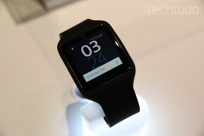 Sony Smartwatch (Foto: Isadora Diaz / TechTudo)