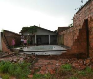 Casas foram destelhadas durante temporal em Nova Olímpia. (Foto: Daniela Carlos/Arquivo Pessoal)