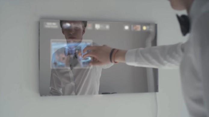 Espelho smart tem assistente igual a de super-herói com comando de voz e inteligência artificial (Foto: Divulgação/DuoAI)