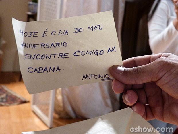 Olha a carta do Antônio (Foto: Malhação/ TV Globo)