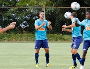 Léo, treino, Cruzeiro, Toca da Raposa II (Foto: Washington Alves / Vipcomm)