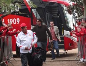Fernandão chega ao Beira-Rio para comandar primeiro jogo como técnico do Inter (Foto: Tomás Hammes/Globoesporte.com)