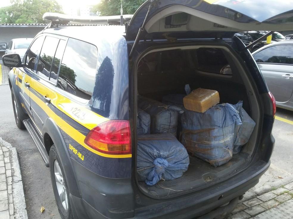 PRF e PF apreende cerca de 200 quilos de cocaína no Ceará (Foto: Divulgação/PRF)