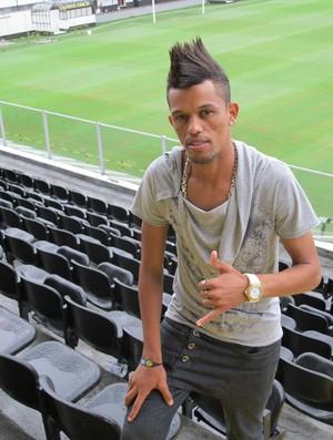 Everton Souza ex-Santos na Vila (Foto: Lincoln Chaves / Globoesporte.com)