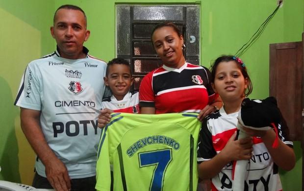 Garoto Shevchenko do Santa Cruz (Foto: Pedro Costa/Globoesporte.com/PE)