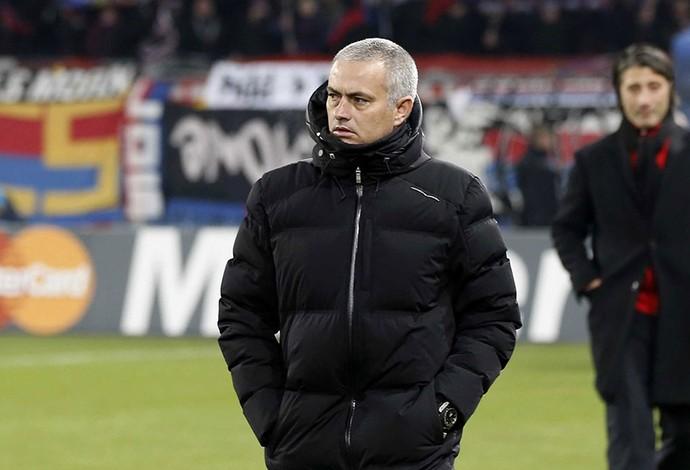 Mourinho, Basel x Chelsea (Foto: AP)