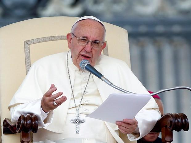 Papa Francisco pede que pessoas lembrem dos que sofrem de Alzheimer (Foto: Remo Casilli/Reuters)