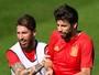 """Sergio Ramos, Piqué e Iniesta trocam mensagens de """"boa sorte"""" pelo Twitter"""