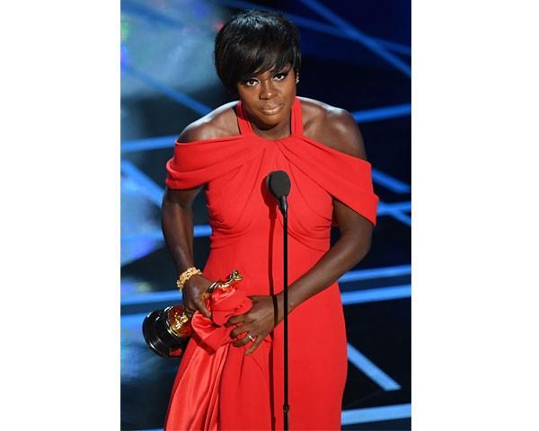 Viola Daves ganhou como Melhor Atriz Coadjuvante (Foto: Getty Images)