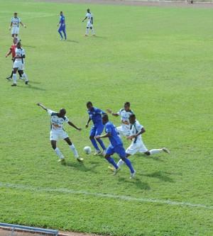 Primeira etapa foi bem disputada pelas equipes (Foto: Kawanny Barros / GloboEsporte.com)