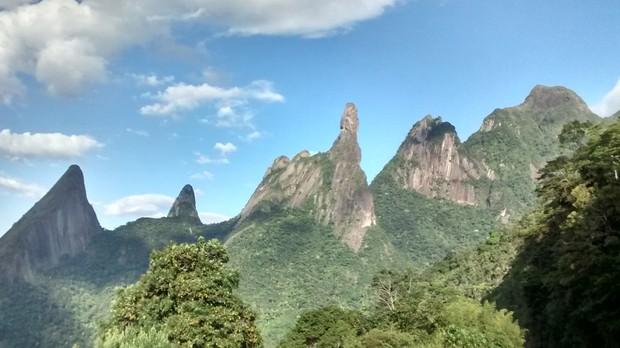 Trilha do Pico Dedo de Deus - Parque Nacional da Serra dos rgos, RJ (Foto: Ana Paula Figueiredo Cidade/Wikimedia Commons)