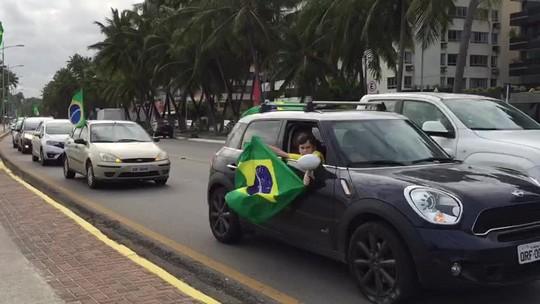 Carreata em Maceió comemora impeachment de Dilma Rousseff