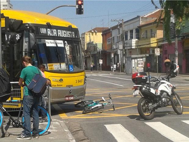 Acidente foi no cruzamento da Avenida Faria Lima com Rua Chopin Tavares de Lima (Foto: Andreia Barros/Arquivo pessoal)