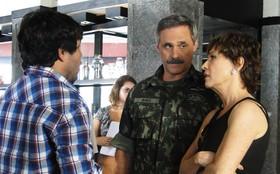Oscar Magrini e Natália do Vale gravam na Zona Sul do Rio
