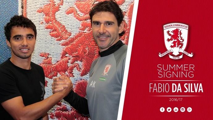Fábio cumprimenta o técnico do Middlesbrough, o ex-jogador Aitor Karanka (Foto: Twitter oficial Middlesbrough)