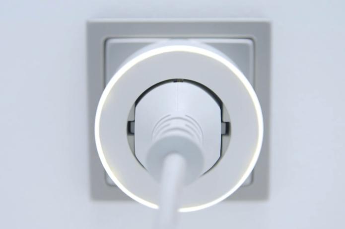 Parce One, tomada inteligente que economia energia aprende hábitos do usuário (Foto: Divulgação/Parce One)