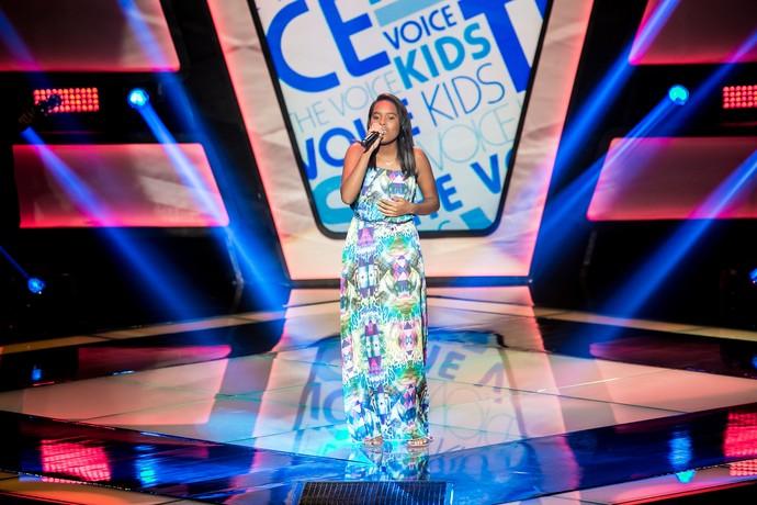 Bela Maria cantou e encantou com Não Vá Embora (Foto: Isabella Pinheiro/Gshow)