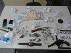 Suspeita é presa com drogas, arma e mais de R$ 1 mil em Três Rios, RJ