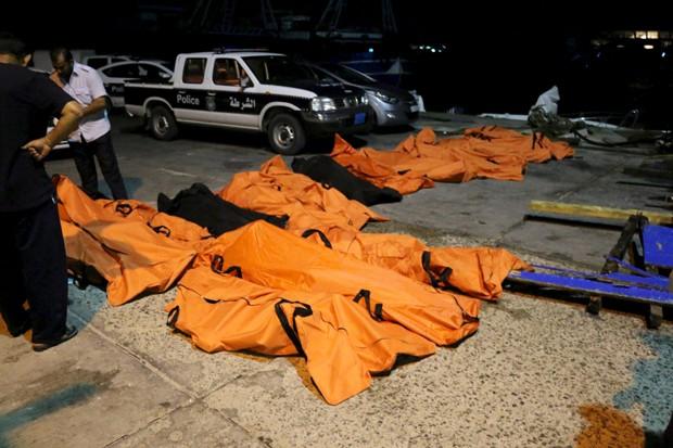 Corpos foram encontrados em na costa da Líbia nesta sexta-feira (28) (Foto: Hani Amara/ Reuters)
