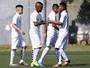 Equipes sub-15 e sub-17 do Santos goleiam São Bernardo no CT Rei Pelé