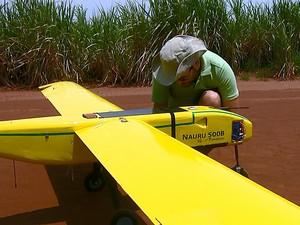 Aeronave produzida em São Carlos fruto de parceria (Foto: Ely Venâncio/EPTV)