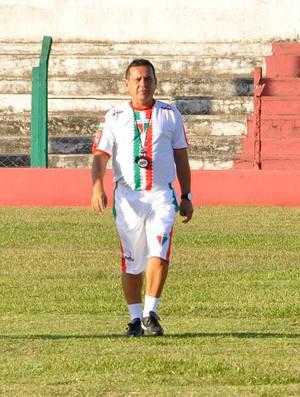 Éder Taques treinador do CEOV Operário (Foto: Robson Boamorte/GLOBOESPORTE.COM)