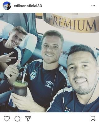 Bressan Ramiro Edílson Grêmio concentração chimarrão (Foto: Reprodução / Instagram)