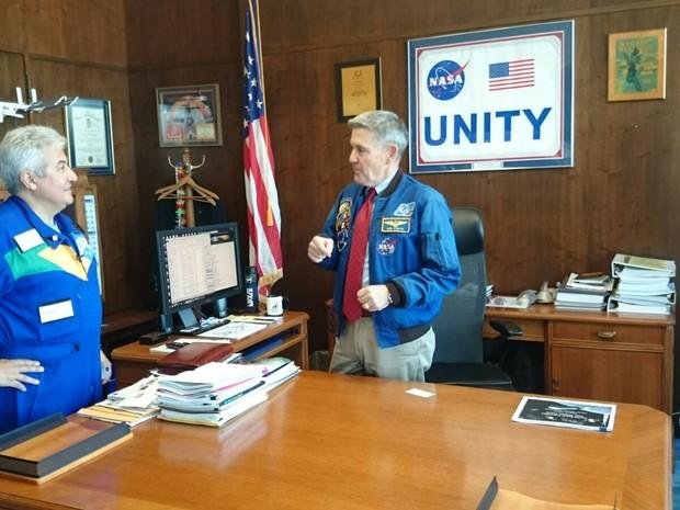 Robert Cabana e Marcos Pontes, astronautas da Nasa (Foto: Geraldo Jr./G1)