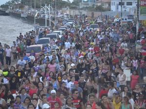 Parada reuniu aproximadamente 15 mil pessoas em Macapá, segundo organização (Foto: Denise Muniz/G1)