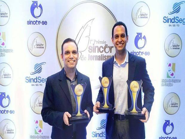 Fredon Navarro e Gustavo Costa comemoram premiação (Foto: Divulgação/TV Sergipe)