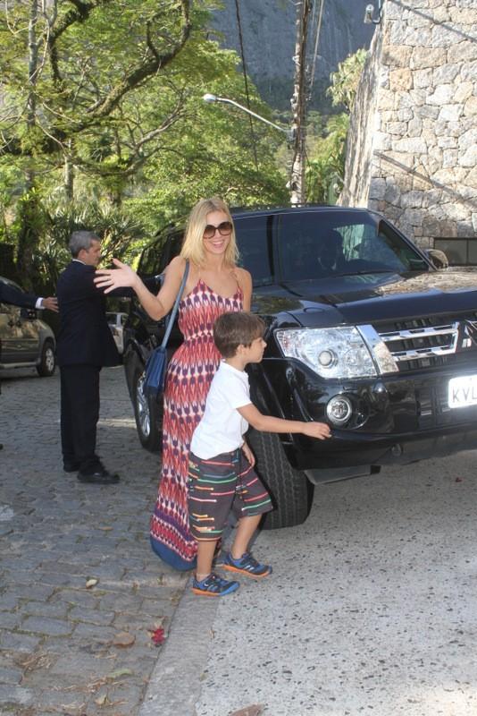 Carolina Dieckmann no aniversario de Eva, filha de Angelica e Luciano Huck (Foto: Fabio Martins / Fotorio News)
