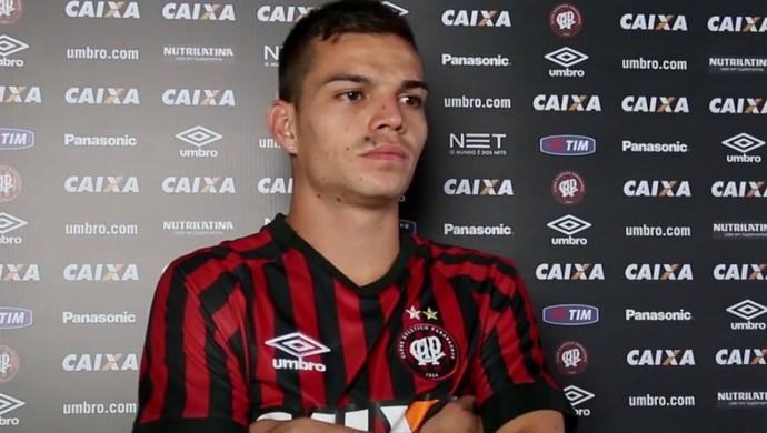 Daniel Hernández; Atlético-PR (Foto: Site oficial do Atlético-PR/Divulgação)
