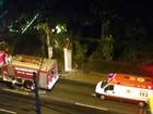 Carro pega fogo dentro de motel em Botafogo, na Zona Sul do Rio