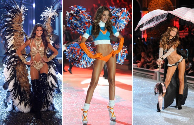 Versão angel: Izabel Goulart nas entradas de looks exuberantes em  2007, 2011 e 2012 (Foto: Getty Images)
