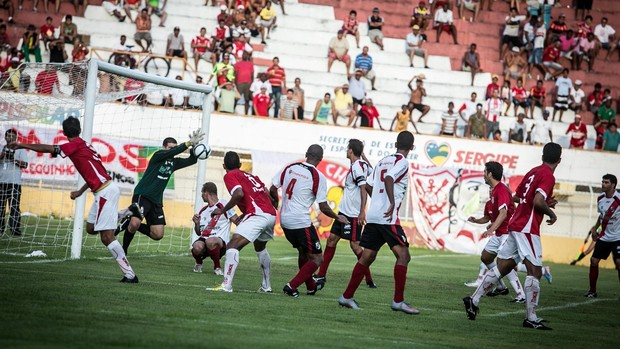 Sergipe conseguiu administrar vantagem e empatou em 1 a 1 (Foto: Fillipe Araújo-FSF)