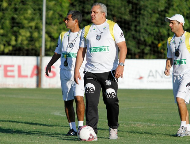 branco figueirense treino (Foto: Carlos Amorim / Site Oficial do Figueirense)