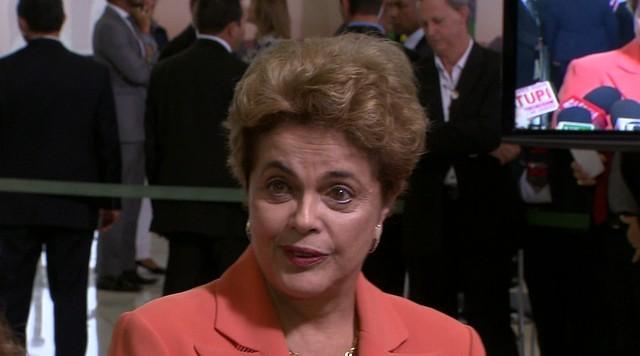 """Dilma afirma que acusações de Delcídio que embasaram pedido de investigação são """"levianas"""""""