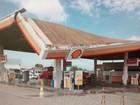 Chuva forte destelha casas e derruba teto de posto de gasolina no sul da BA