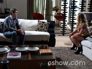 Bernardete  conta a Abelardo que descobriu ser Luciana sua grande paixão (Foto: Malhação / TV Globo)