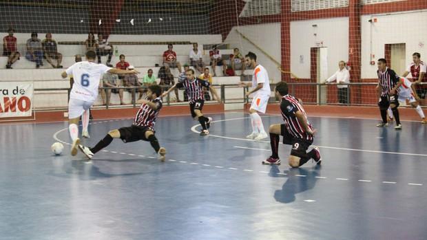 Suzano/São Paulo joga pela primeira vez em casa em 2013 (Foto: Thiago Fidelix)