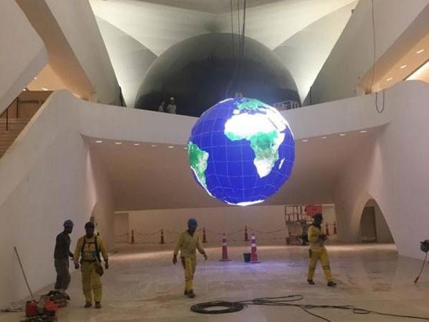 Prefeito postou foto do interior do Museu do Amanhã (Foto: Facebook/ Eduardo Paes)